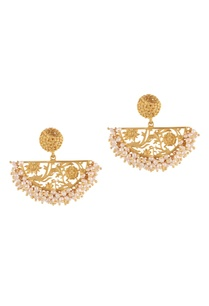 gold-brass-plated-earrings-with-pearl-beads