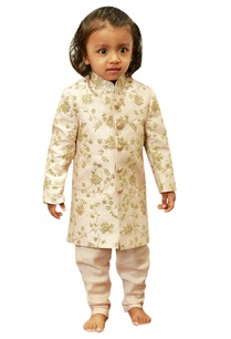 embroidered-sherwani-with-sequence-highlights