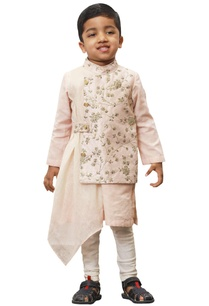 embroidered-draped-nehru-kurta-set