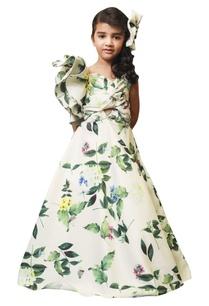 leaf-anchored-one-shoulder-gown