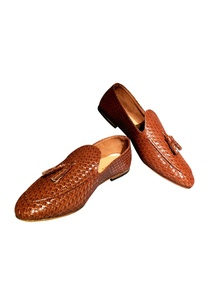 brown-non-leather-woven-handcrafted-loafers