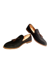 black-velvet-loafers-with-tassel-detailing
