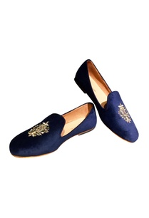 blue-velvet-embroidered-loafers