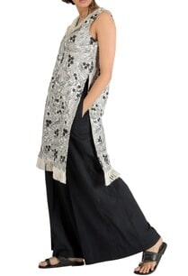 ivory-black-embroidered-fringe-detail-kurta-with-pants