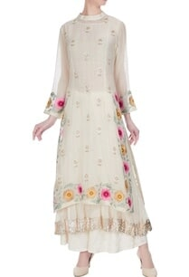 off-white-chanderi-hand-embroidered-mirror-kurta-set