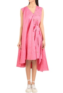 gathered-embroidered-dress-with-attached-belt