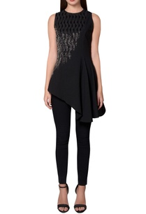 black-georgette-sleeveless-asymmetric-hemline-blouse