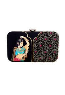 black-mughal-queen-hand-painted-machine-embroidered-clutch