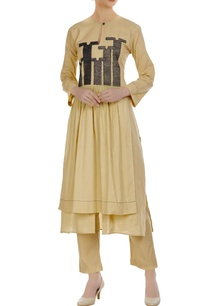 front-pleated-kurta-with-thread-embroidered