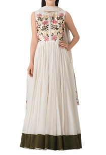 white-cotton-anarkali-kurta-with-embroidered-floral-motifs