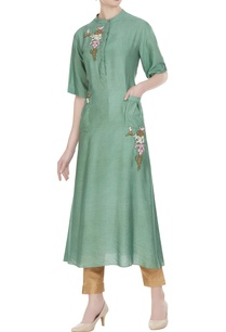 long-tunic-with-utility-pockets