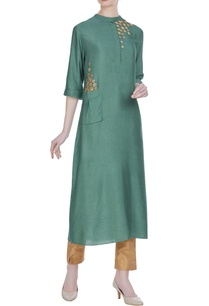 flower-motif-embroidered-tunic