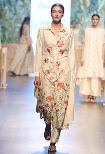 pearl-white-embroidered-kurti-with-pants