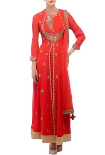 peach-gold-embroidered-anarkali