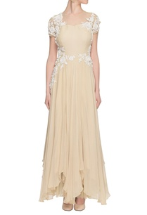 beige-dress-with-white-floral-applique