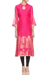 pink-floral-printed-kurta-with-bell-sleeves