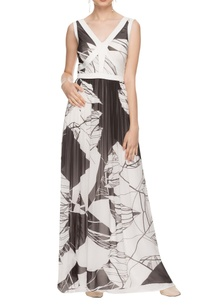 white-black-printed-low-back-maxi-dress