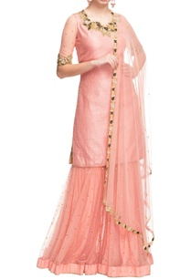 peachy-pink-kurta-set-with-gold-black-floral-work