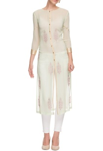 white-embroidered-buttoned-kurta