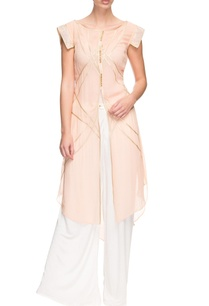 light-peach-kurta-with-embroidered-sleeves