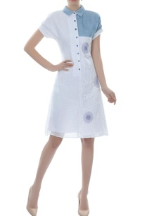 white-blue-color-block-collared-dress
