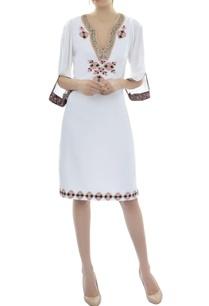 white-appliqued-dress