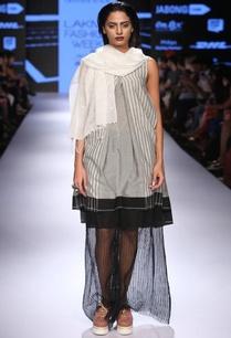 grey-black-box-pleated-dress