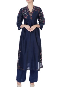 blue-floral-embroidered-kurta-pants