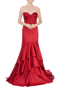 red-strapless-tiered-gown