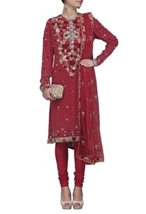 maroon-rose-embroidered-kurta-set