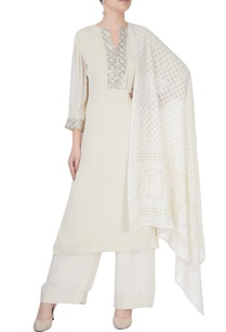 white-kurta-set-with-sequin-studs