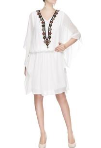 white-embroidered-kaftan