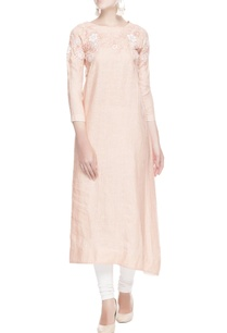 peach-floral-embroidered-kurta