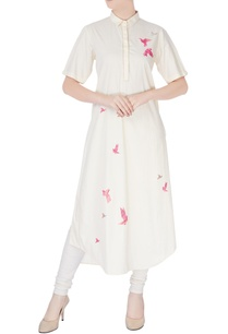 cream-kurta-in-pink-embroidery