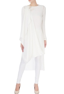 white-draped-style-kurta