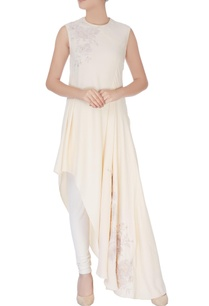 cream-kurta-in-floral-embroidery