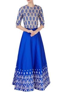 blue-embroidered-flared-lehenga