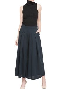dark-green-wool-crepe-pleated-culottes