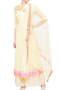 light-yellow-embroidered-kurta-set