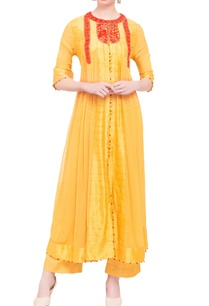 yellow-georgette-viscose-silk-thread-work-kurta-set