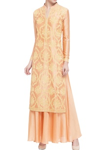 peach-silk-chanderi-embellished-kurta-set