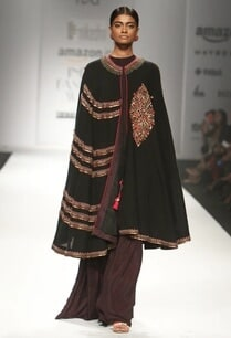 black-embroidered-long-cape-with-top-printed-sharara