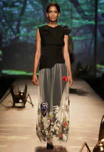 black-sculpted-top-with%c2%a0ivory-applique-skirt