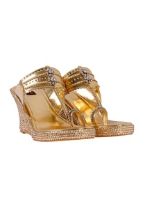 gold-floral-dimante-kolhapuri-wedges