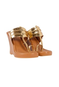 nude-gold-kolhapuri-wedges