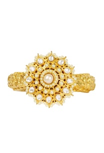 gold-plated-floral-motif-kundan-engraved-cuff