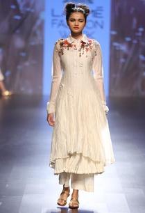 cream-foliage-embroidered-crinkled-kurta-set