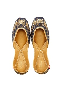 dusky-blue-gold-floral-embroidered-juttis