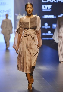 nude-toffee-brown-loose-fitted-top