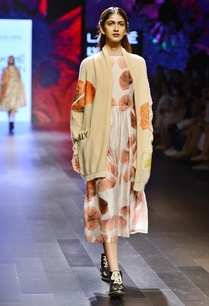 knit-beige-cardigan-with-floral-motif